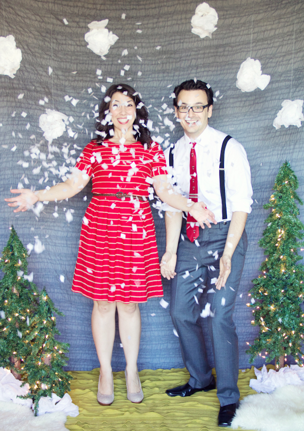 Handmade hilarity inspiration for photo booths and backdrops christmasphotobooth01 photo both xmasphotobooth solutioingenieria Choice Image